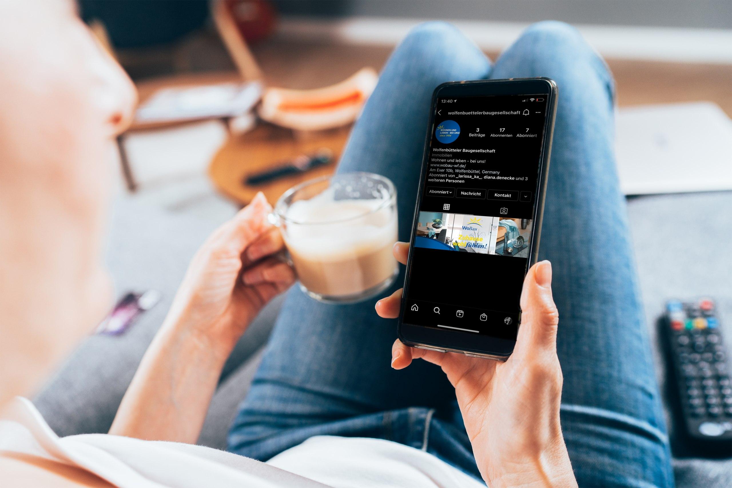 Die WoBau geht ab sofort den Schritt in die sozialen Netzwerke. Auf Facebook und Instagram können Sie unser Unternehmen und die Menschen dahinter besser kennenlernen.